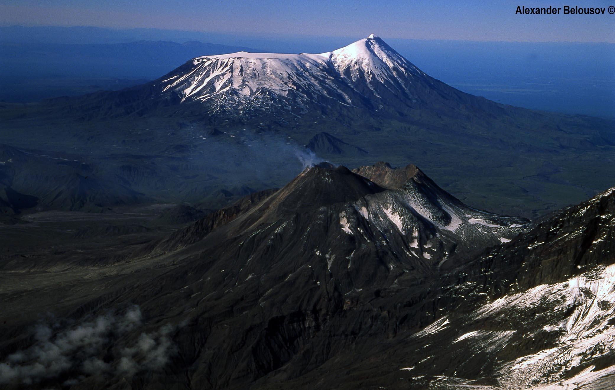 堪察加半岛,plosky tolbachik火山醒了